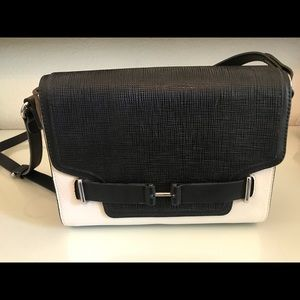 Vince Camuto crossbody/shoulder bag